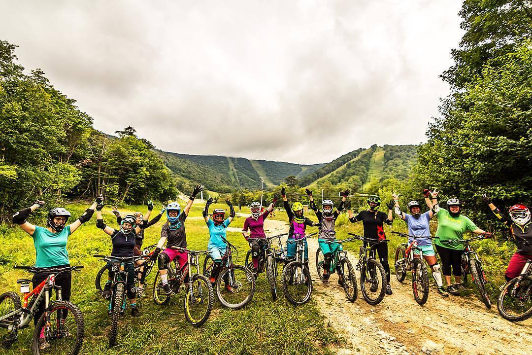 Group shot at Divas of Dirt event in Killington, VT