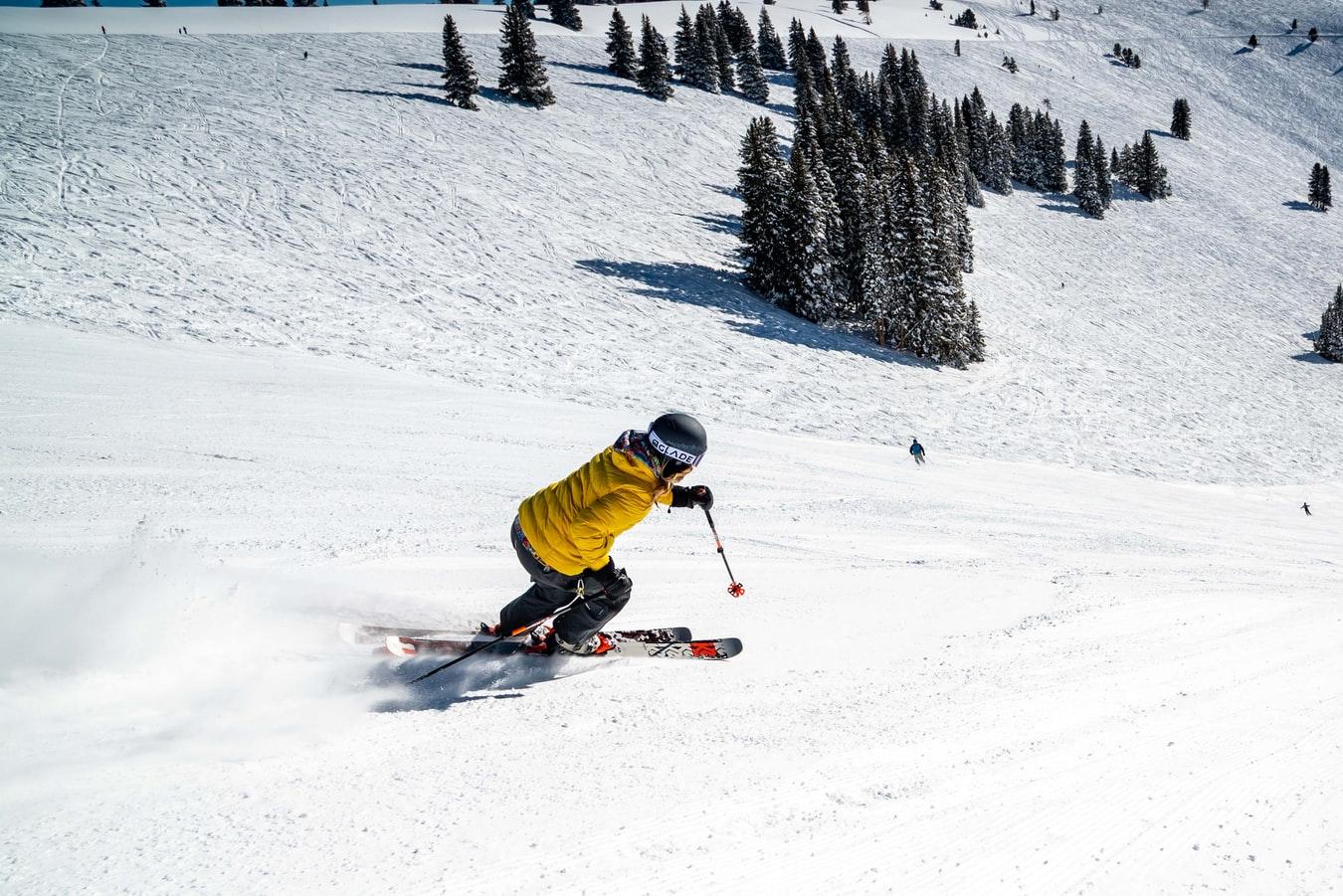 skier on the mountan
